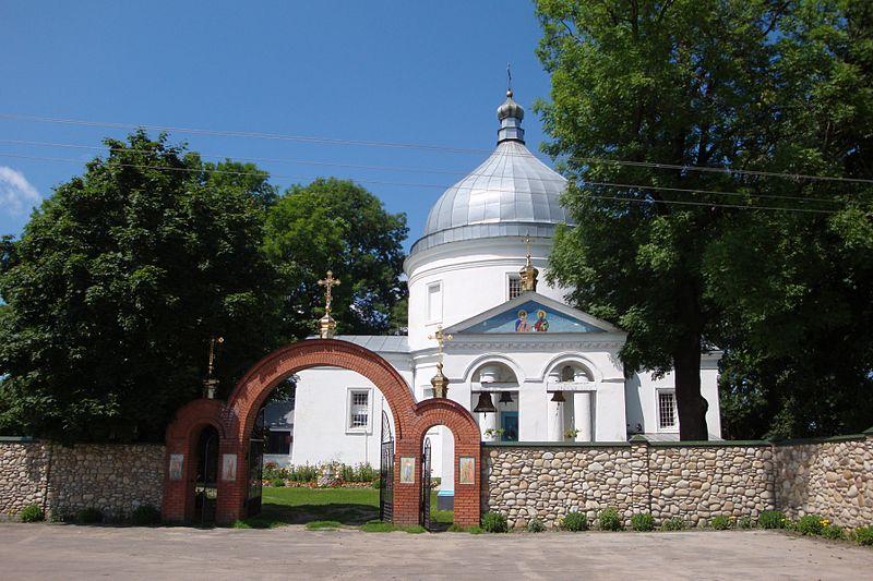 Свитязь. Монастир. Храм Петра і Павла.