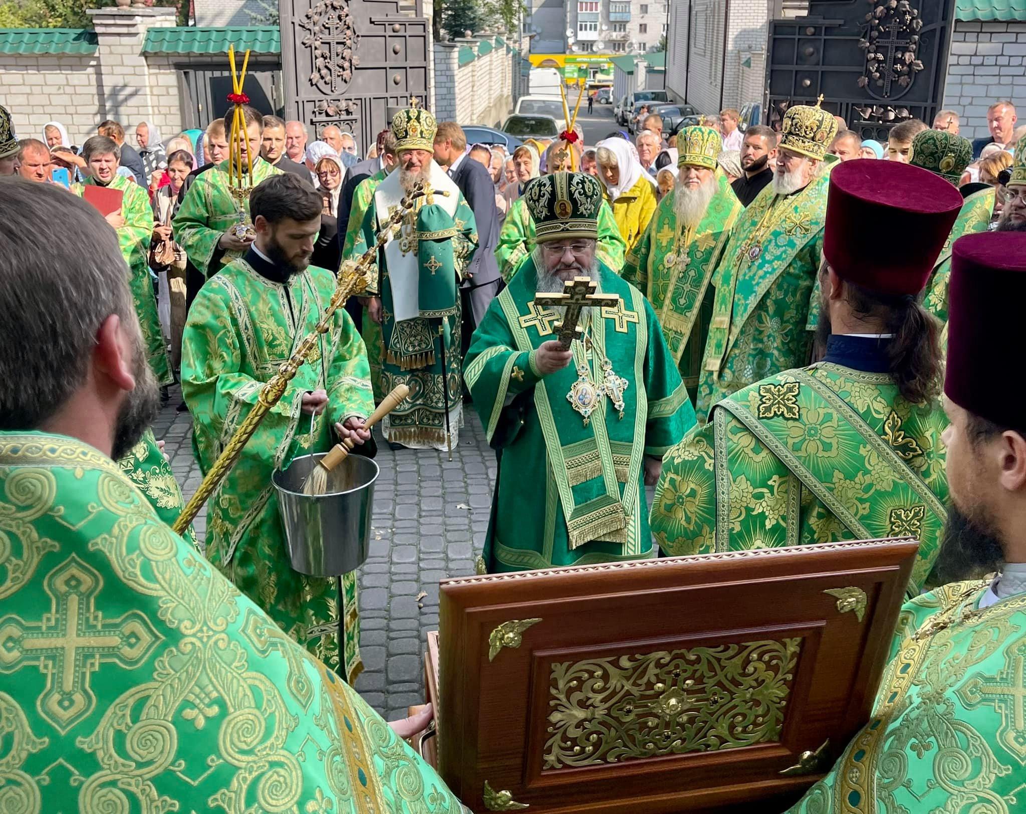Митрополит Володимир взяв участь в освячені монастирського храму на Житомирщині