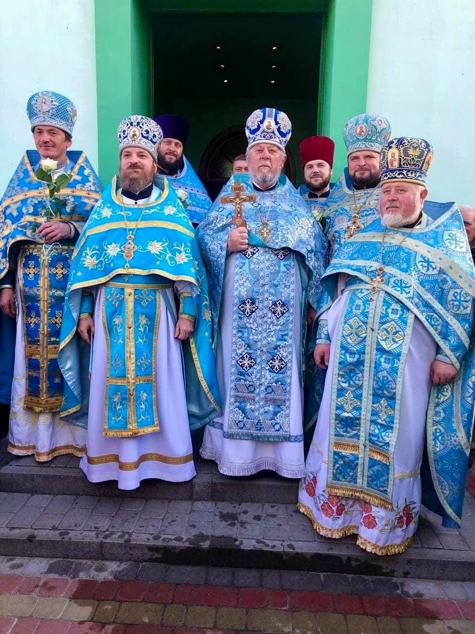 Щира молитва до Небесної Цариці у смт Головне