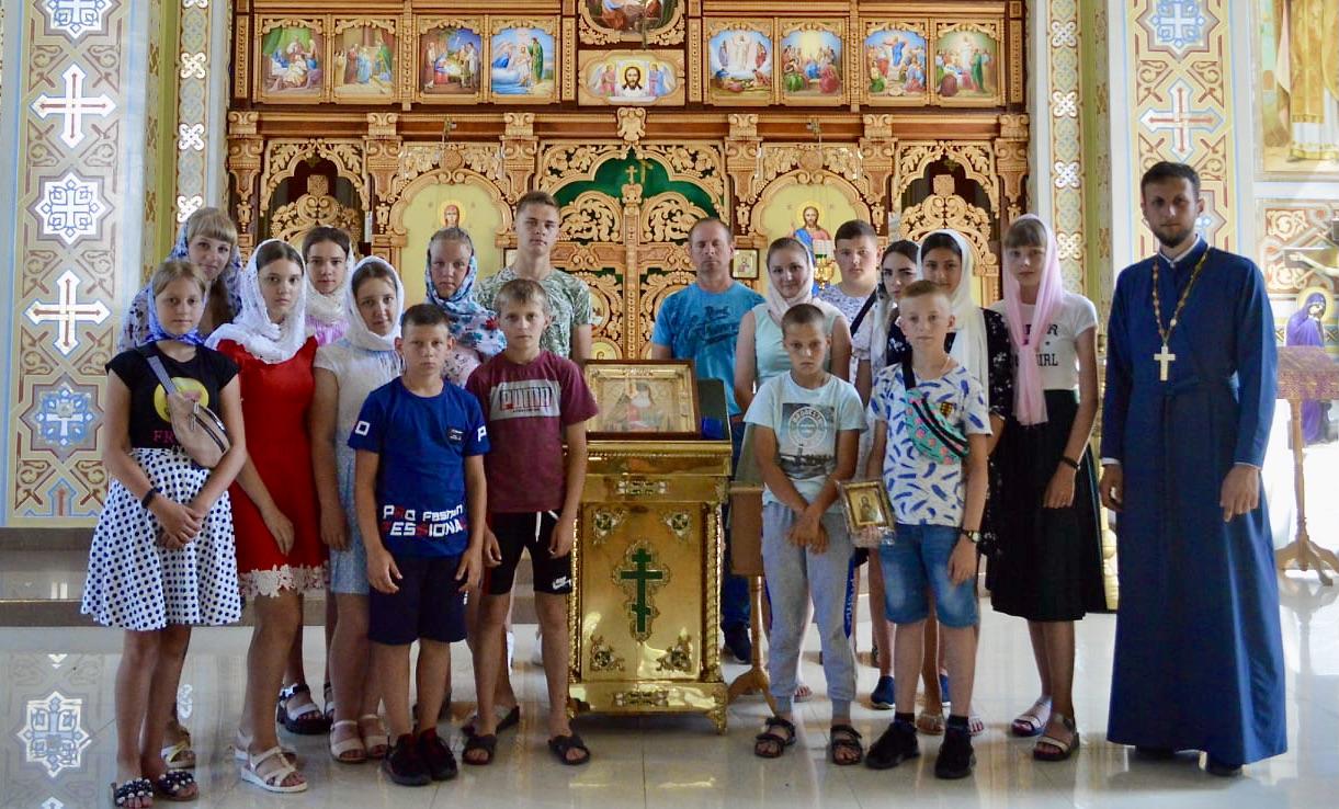 Юні парафіяни з села Мельники паломничали у Закарпатті